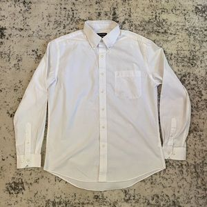 Mens white buttown down shirt